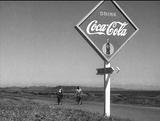 Ozu.Late_Spring_Coke